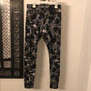 Nike Pants - Nike Camo Leggings